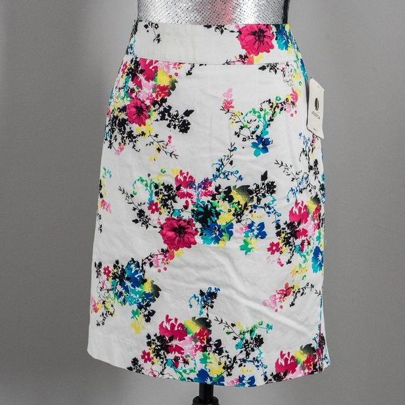 Jessica Dresses & Skirts - NWT summer floral pencil skirt - sz 10P